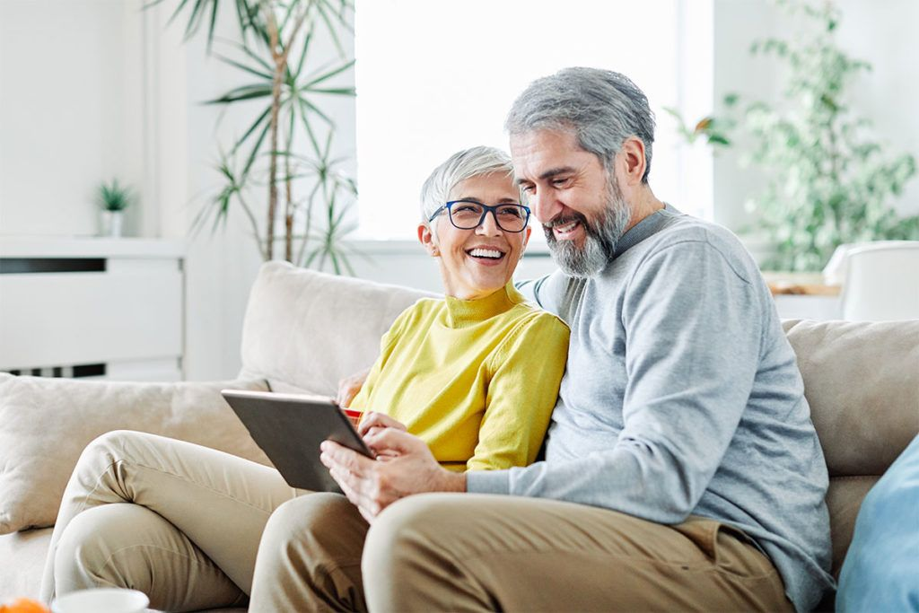older-couple-on-tablet-existing-patients-alpine-medical-group